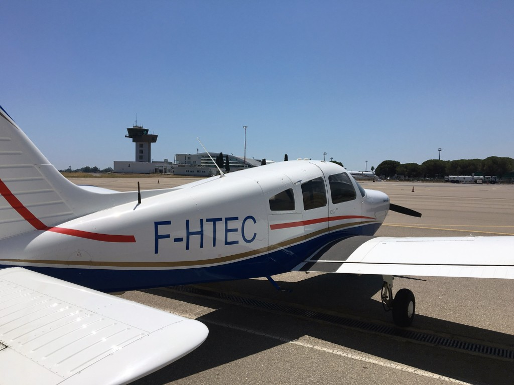 Avion FHTEC